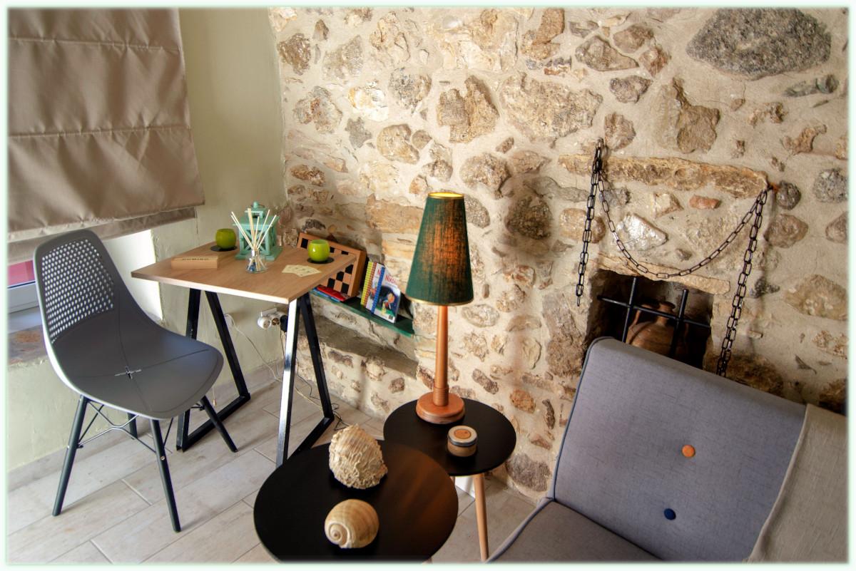 Parga Cozy House living room (B9)